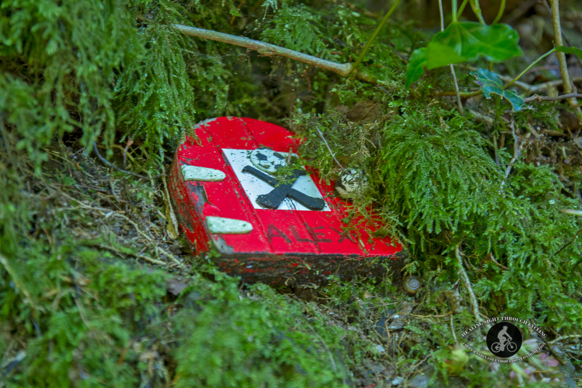 Ballyvoyle pathway - red fairy door - Waterford Greenway