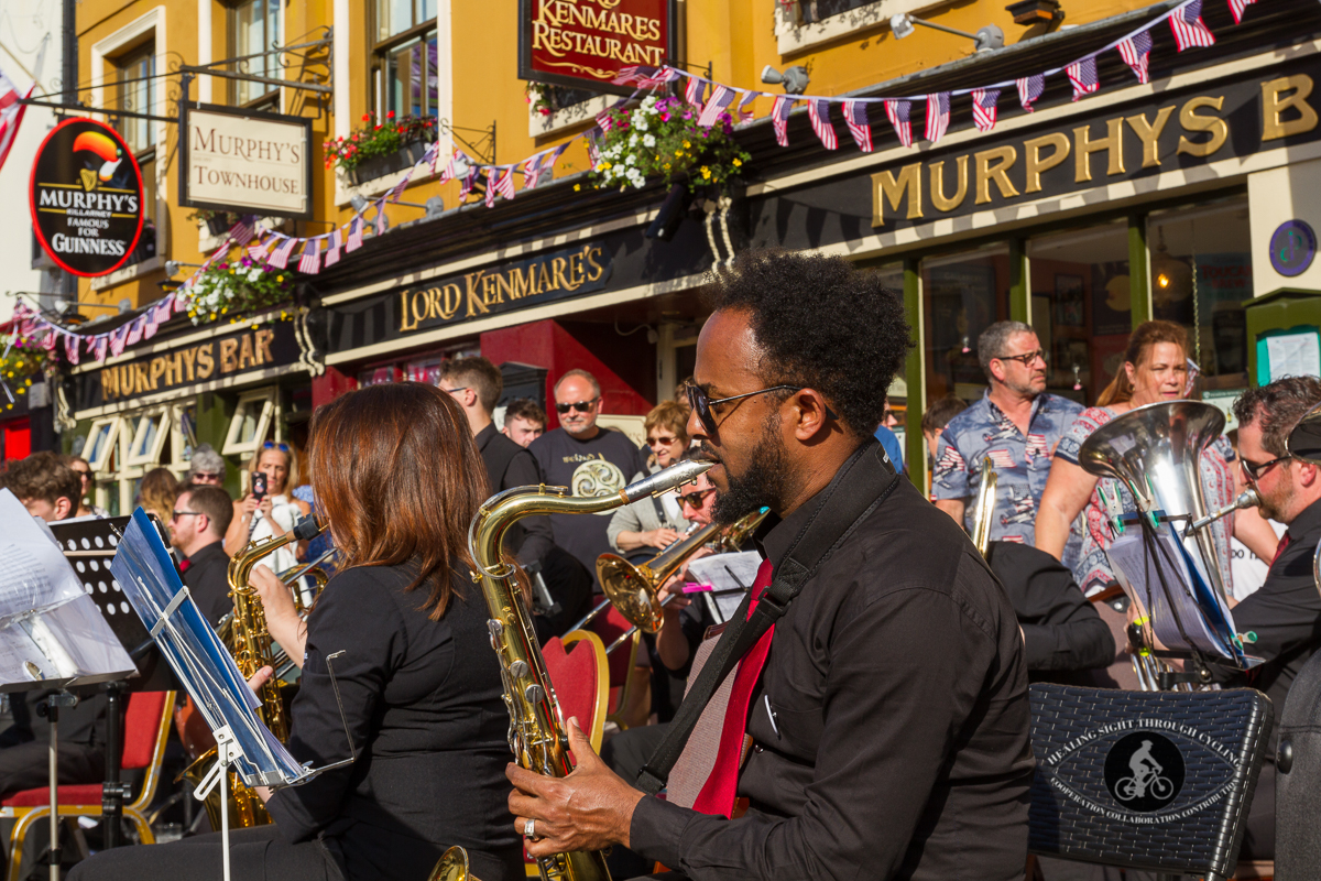 Band in front of Murphys Bar - individuals - 1