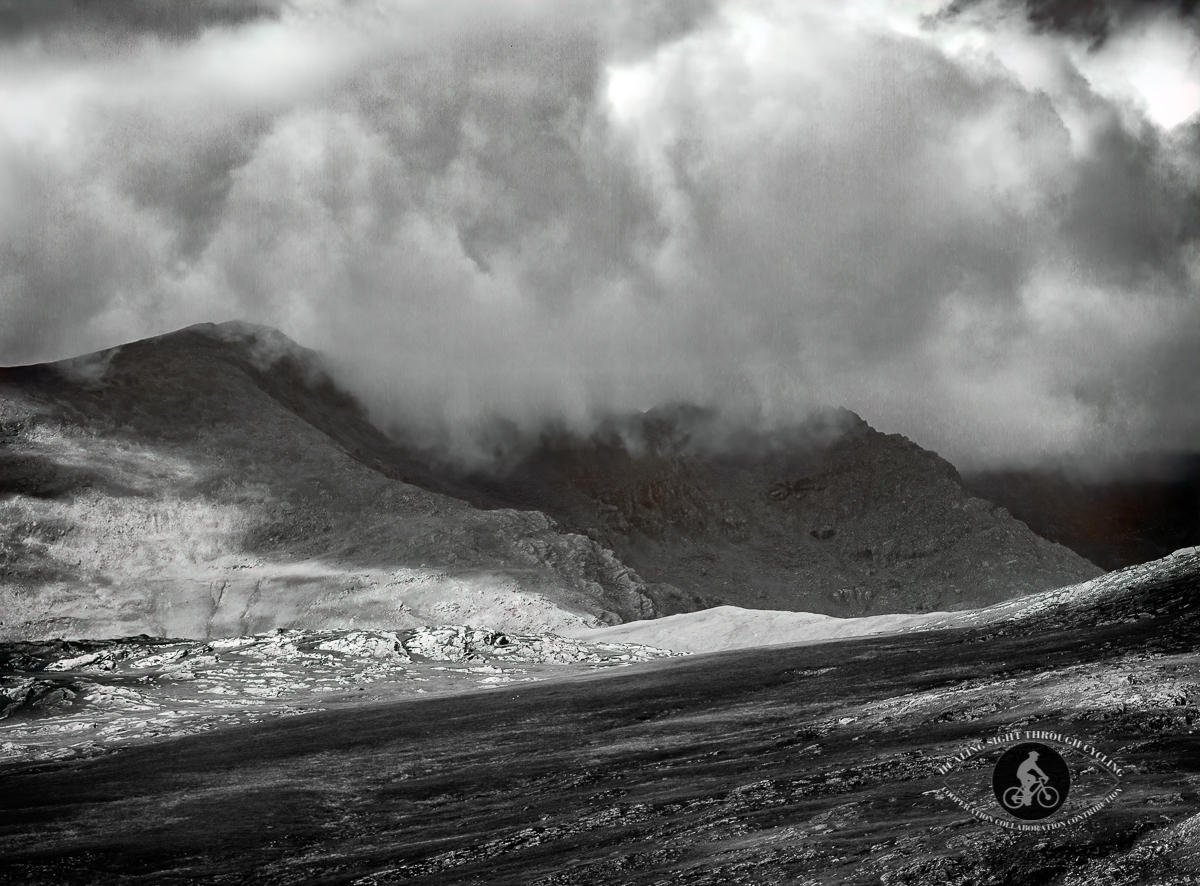 Heavy clouds over the mountains - Ring of Kerry - BW