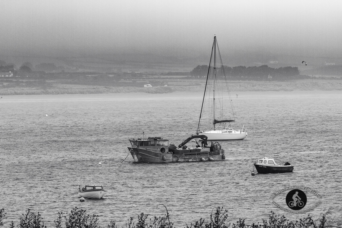 Fishing boat in the harbour - BW