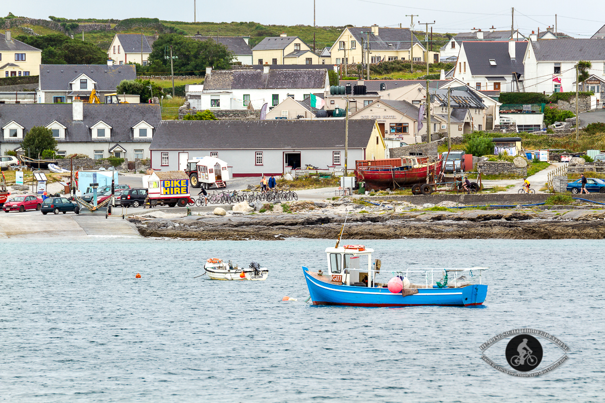 Fishing boats and bike rentals in the Inisheer harbour
