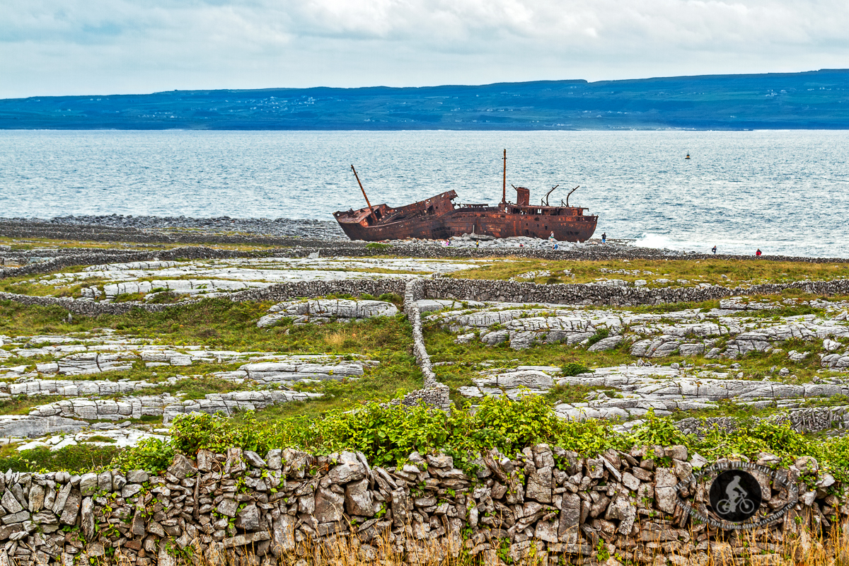 Plassey Shipwreck on Inisheer - leading lines - from land