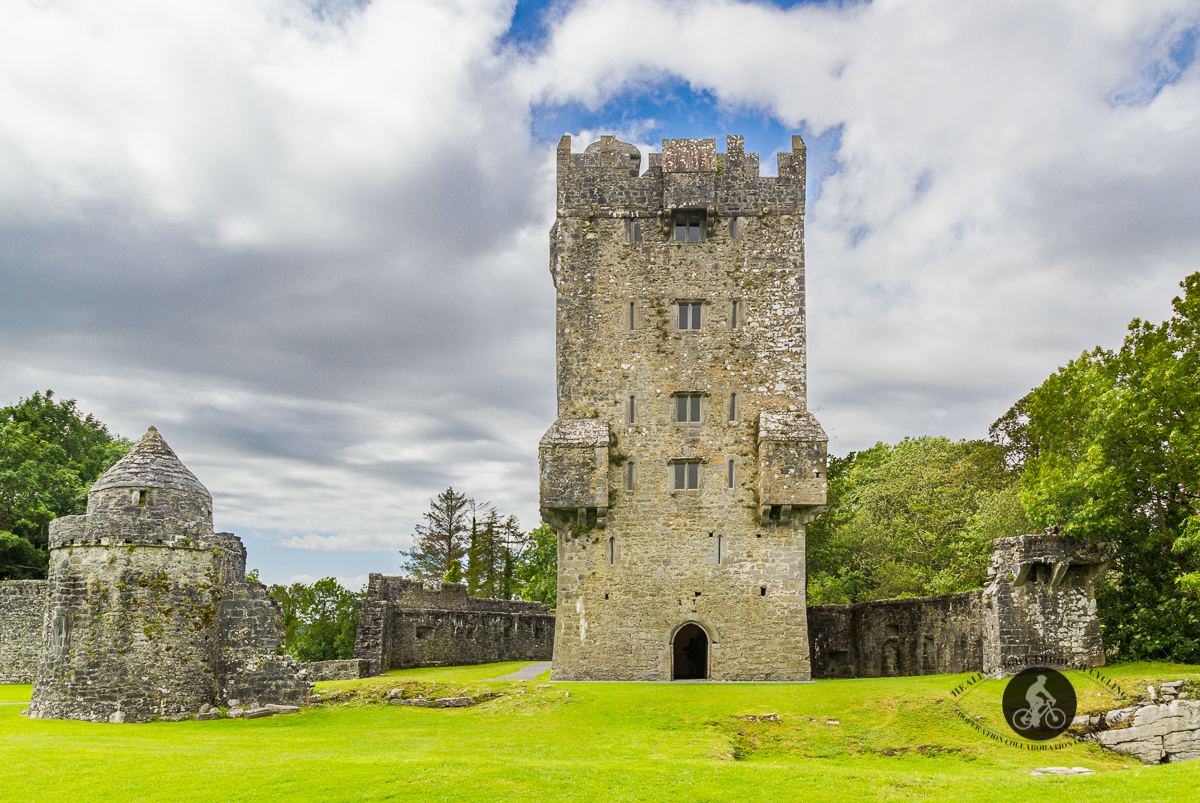 Aughnanure castle and watch tower - Front entrance - County Galway